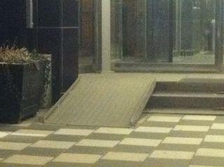 Elite Hotell otillgänglig entré mars 2012